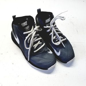 Nike Team Hustle D7 Shoes Size 1